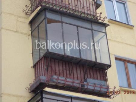 Отделка небольшого балкона гипсокартоном остекление окнами п.