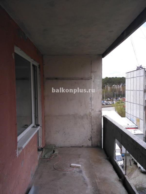 Цена остекления лоджии ПВХ в доме 141-й серии  в Екатеринбурге