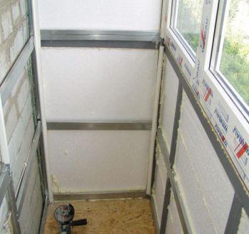 Стандартная схема утепления балкона при которой неизбежны мостики холода на балконе.