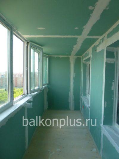 Цена утепления балкона в Екатеринбурге в улучшенке в 2017 году была 125 000 руб.