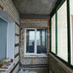 Балкон перед утеплением в монолитном доме в Челябинске по улице Королева