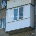 Остекление и отделка балкона снаружи и изнутри по улице Ленина в малосемейке
